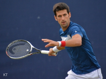 Novak_Djokovic_Queen's_Club_2018